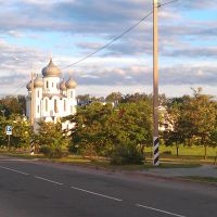 Вид на храм преподобного Серафима Саровского  со стороны  ул.Казинца, Белоозерск