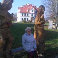 Деревянные скульптуры возле Белой Вежи, Каменец