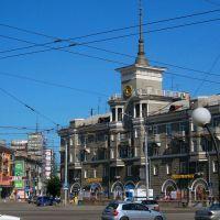 Дом Под шпилем на площади Октября, Барнаул