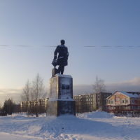 Памятник М.В.Ломоносову, Коряжма