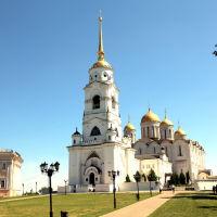 Вид на Свято-Успенский кафедральный собор с колокольней, Владимир