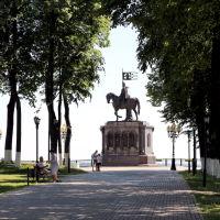 Памятник святителям Владимирской земли из парка им. А.С. Пушкина, Владимир