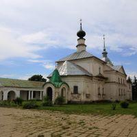 Вид на Кресто-Никольскую церковь и торговые ряды, Суздаль