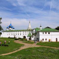 Внутри Суздальского кремля. Музей-заповедник, Суздаль