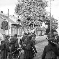 наши в городе (1944), Нестеров