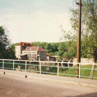 В 1880 году в Даркемене введена в строй гидроэлектростанция, Озерск