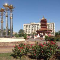 Калмыкия. Пагода 7 дней на центральной площади Элисты., Элиста