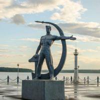 Памятник Слава Труду (отреставрированный), Омутнинск
