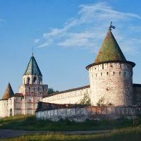 Стены Ипатьевского монастыря. Костром, Кострома