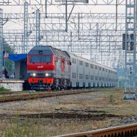 Двухэтажный поезд № 28 Москва-Анапа на станции Анапа, 9 июля 2019 г., Анапа