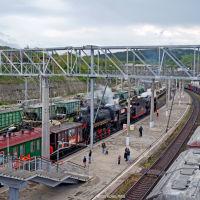 """Ретро-поезд """"Победа"""" на станции Тоннельная, апрель 2018 г., Верхнебаканский"""
