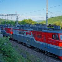 Грузовой поезд в окрестностях пос. Верхнебаканский, Верхнебаканский