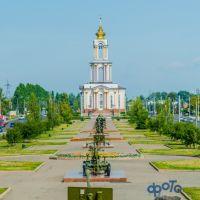 Аллея военной техники и Храм Святого Великомученика Георгия Победоносца, Курск