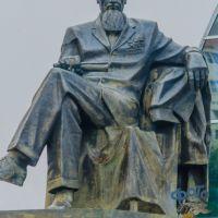 памятник Игорю Васильевичу Курчатову., Курчатов