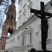 могила Фонвизина у собора Михаила Архангела, Бронницы