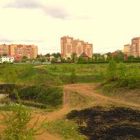 Вид с ул. Станционная. Раньше здесь было озеро,теперь просто большая яма (05.2016), Ивантеевка