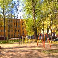 Детская площадка во дворе (ул. Адмирала Жильцова,4)  05.2016, Ивантеевка