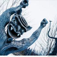 Тоже одно из достопремечательностей Кочёвского района - это музей под открытым небом в д. Пармайлово Кочёвского района. Скульптуры, выколоченные из дерева и одухотворенные мистикой сделаны жителем этой маленькой деревни - Егором Утробиным., Кочево