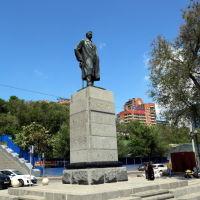 Памятник Максиму Горькому на набережной Дона, Ростов-на-Дону