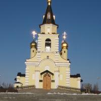 Надым, ЯНАО. Горят кресты на православном храме, Надым