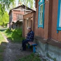 Старик на улице Горького, Кирсанов
