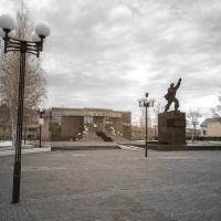 площадь Первооткрывателей, Урай