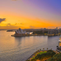 Рассвет встаёт, Сидней