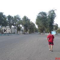 Центр, слева к/т Шарк(не видно), вид в направлении к Гулистану, Денау