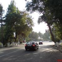 Центр, справа за перекрёстком - к/т Шарк(не видно), вид в направлении к базару, Денау