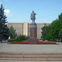 С памятника  Т.Г.Шевченко начинается одноименный бульвар, Донецк