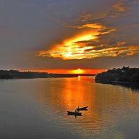 Гайворон,  Южный Буг, на закате дня., Гайворон