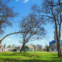 Парк біля храму, Маневичи