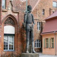 Germany_Brandenburg Country_City of Brandenburg_market square_Roland statue on the brickstone-gothic townhall_100_3057.JPG, Бранденбург