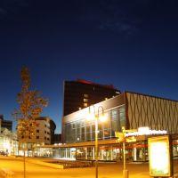 Stadthalle Cottbus (bei Nacht), Котбус