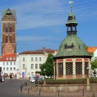 Markt mit Wasserkunst und Turm der Marienkirche, Висмар