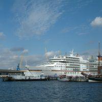 """Kreuzfahrtschiff """"Europa"""" in Wismar, Висмар"""