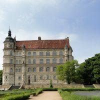 Güstrow Schloss Blick vom Garten  -  by R©my, Гюстров