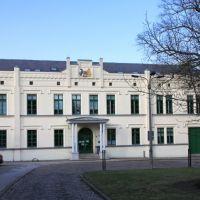 Güstrow: Finanzamt am Klosterhof, Гюстров