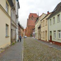 Güstrow - Phillip-Brandin-Straße mit blick auf der Domkirche, Гюстров