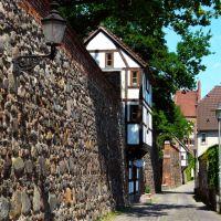 Germany_Mecklenburg_Neubrandenburg_City Wall with half-timbered Outlook House (Wiekhaus)_P1140872.JPG, Нойебранденбург