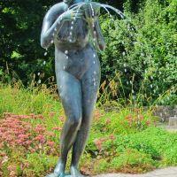"""Trinkende"" im Rosengarten (Rostock), Росток"
