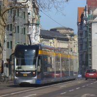 Peterssteinweg mit Straßenbahn, Лейпциг