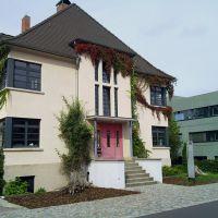 Bauhaus campus - villa (volgens de kleurenleer van Itten..), Дессау