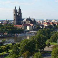 Magdeburger Dom vom Aussichtsturm im Rotehornpark, Магдебург
