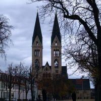die schlanken Türme des Halberstädter   Doms, Халберштадт