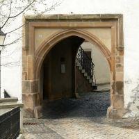 Schloss Altenburg  - Das Äußere Torhaus aus dem frühen 15. Jh. diente einst der Verteidigung, Альтенбург
