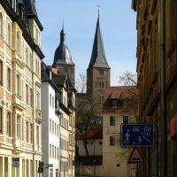 Altenburg - Blick auf das Wahrzeichen der Stadt - die Roten Spitzen, durch das Brückchen, Альтенбург