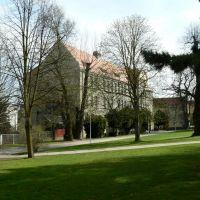 Altenburg - Blick auf die Grundschule Karolinum, Альтенбург