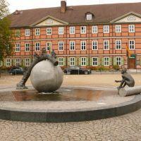 Wernigerode - Nicolaiplatz mit Brunnen, Вернигероде