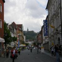 Blick auf Mariahilfberg auf Bahnhofstraße, Amberg, Deutschland, Амберг
